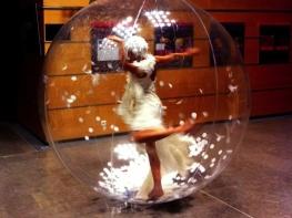 Team building, Les poupées dans les bulles - 2